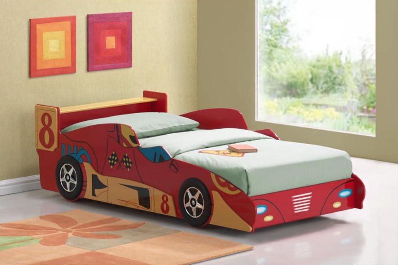 Dormitorio infantil con cama de coche de carreras - Cama coche infantil ...