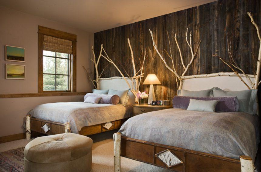 Dormitorio rstico de dos camas Imgenes y fotos