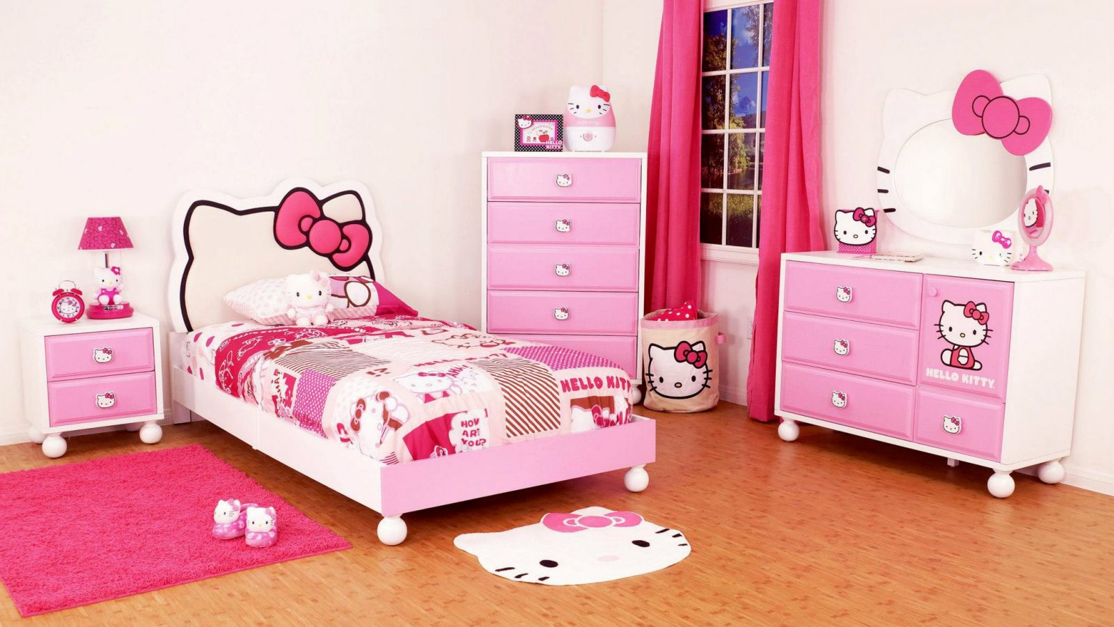 Habitaci n de hello kitty para ni as im genes y fotos for Dormitorios infantiles para ninas
